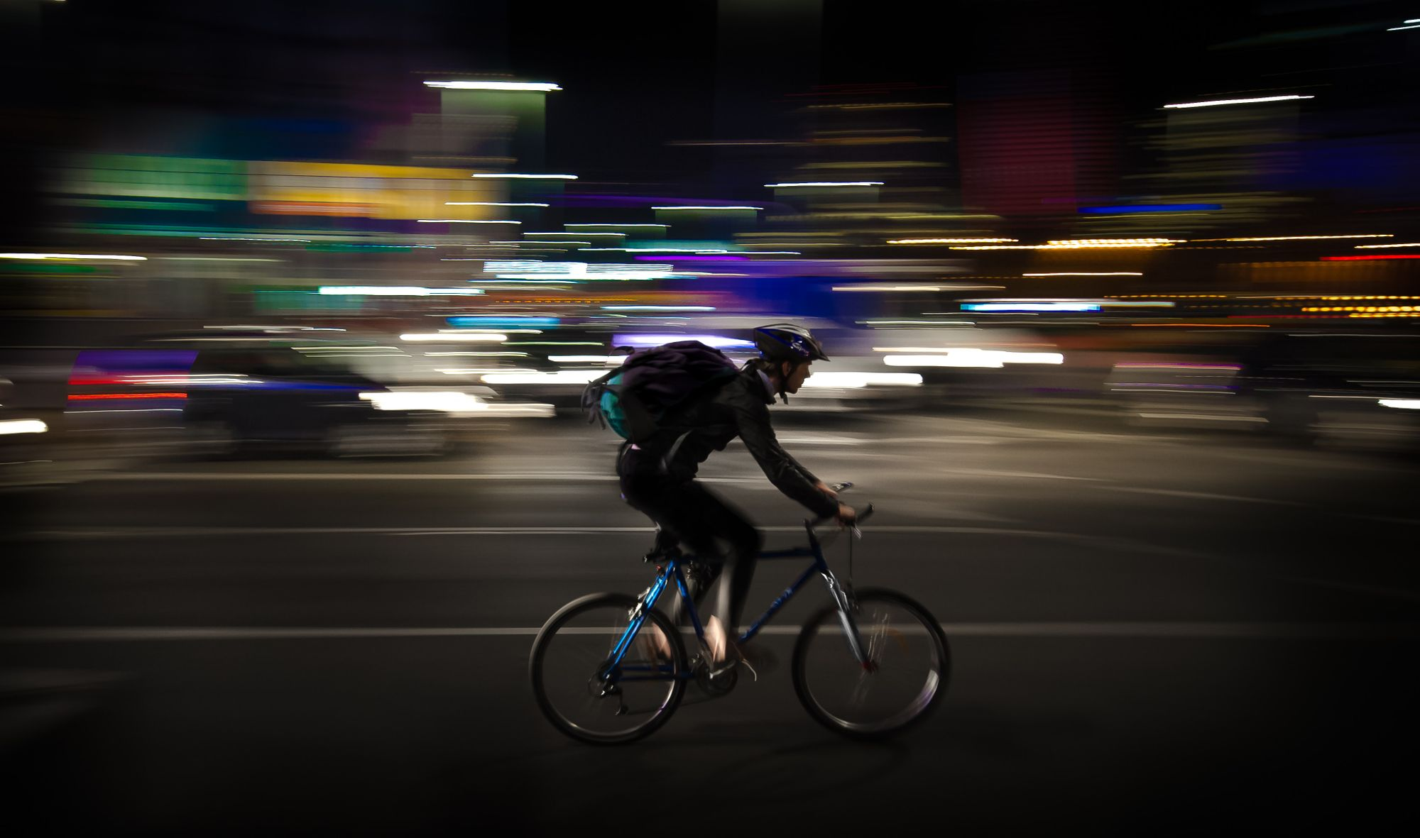 How are fashion + gadgets enhancing urban cycling?