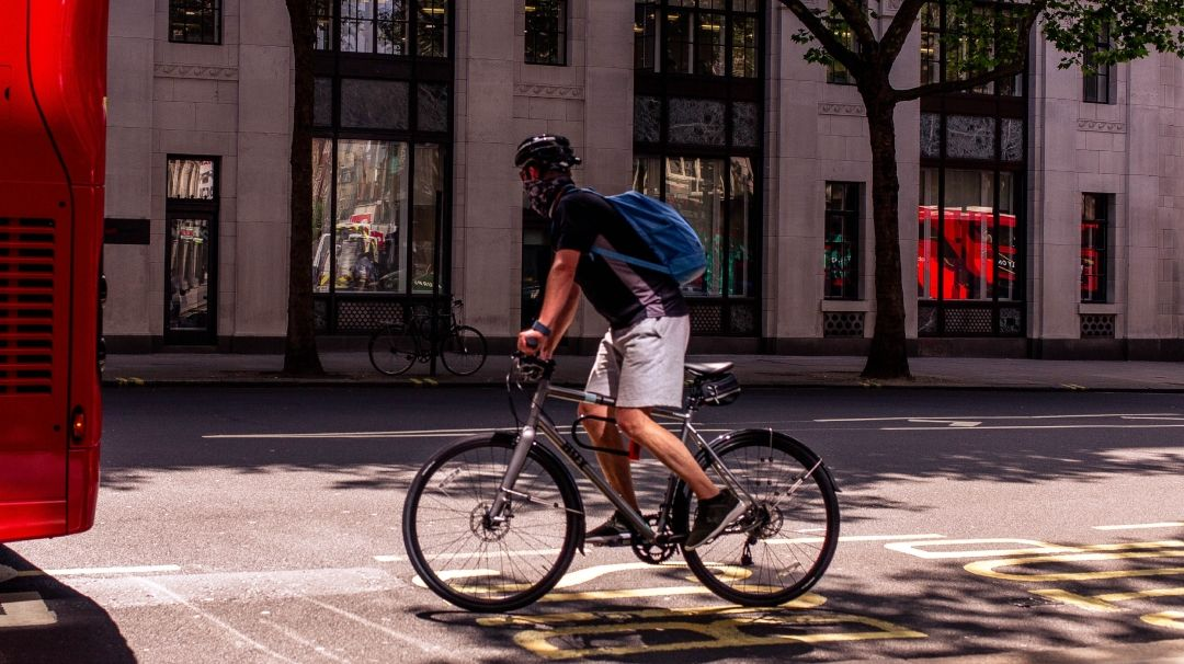 London city cyclist with facemask