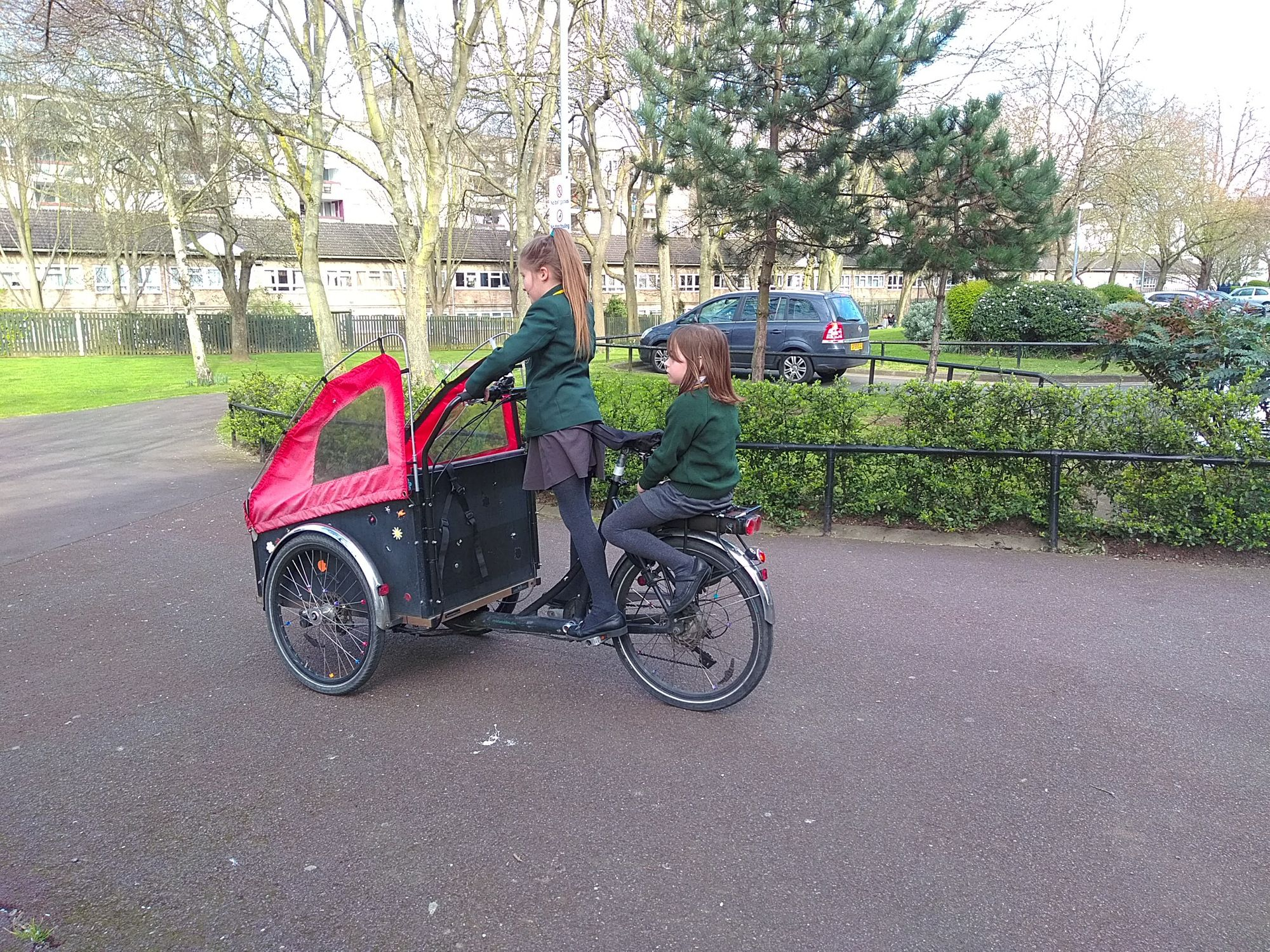 How to tackle the school run with a cargo bike